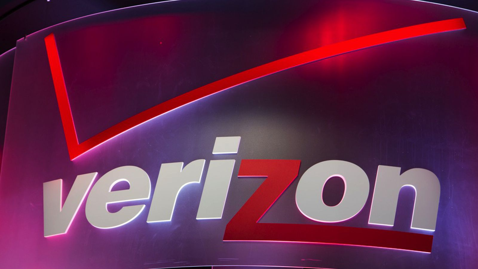 verizon will give you up to 650 to switch from another carrier the verge. Black Bedroom Furniture Sets. Home Design Ideas
