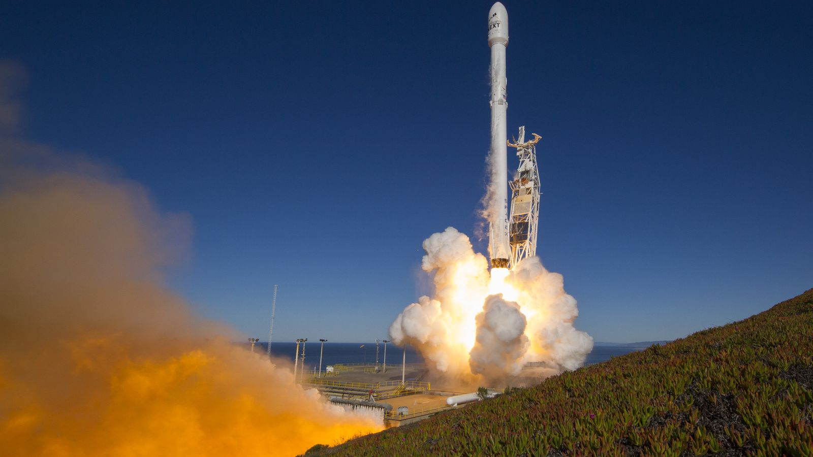theverge.com - Loren Grush - SpaceX is back to launching rockets again, but pressure is still high after last year's failure
