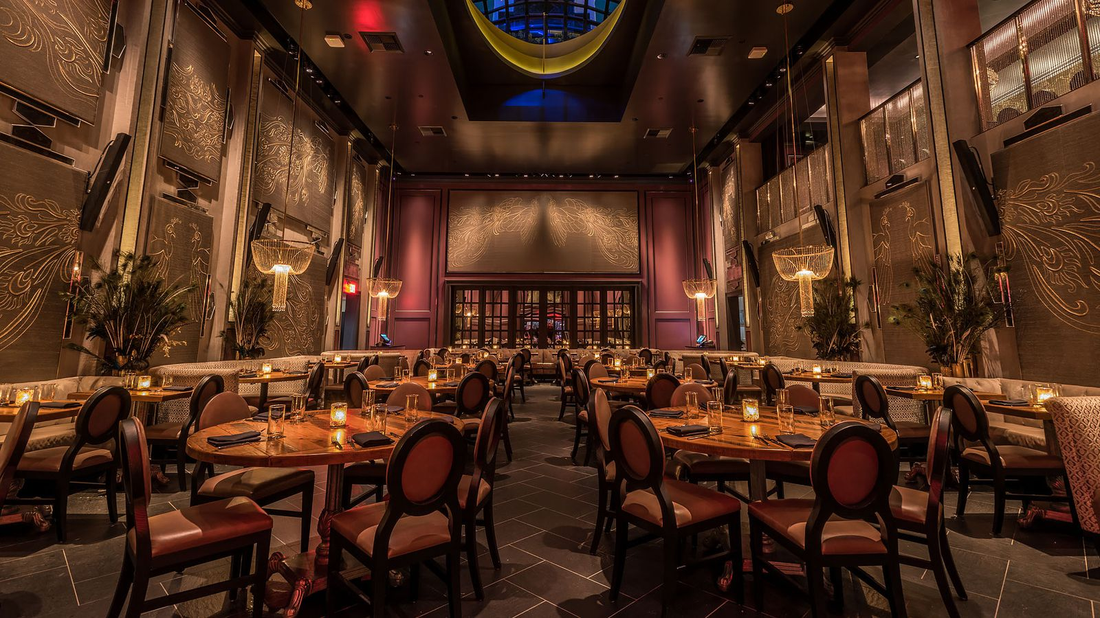 Inside Beauty Amp Essex Hollywood S Glitzy New Dining