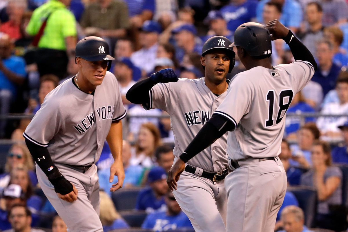 Girardi ejected in animated argument, 3 tossed in Yanks-Rays