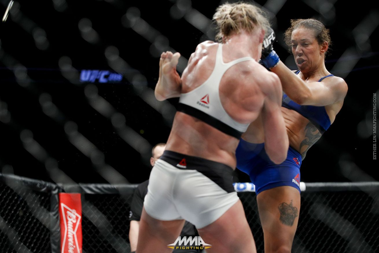 community news, Referee trainer breaks down after the bell activity in Germaine de Randamie's win over Holly Holm