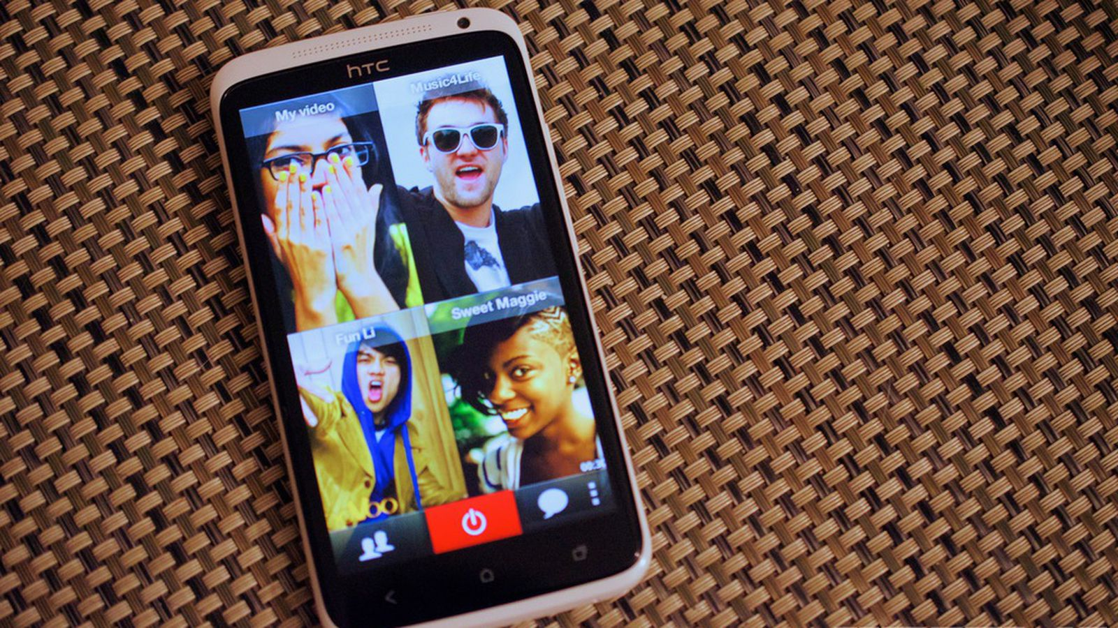 how to 3 way video call on iphone