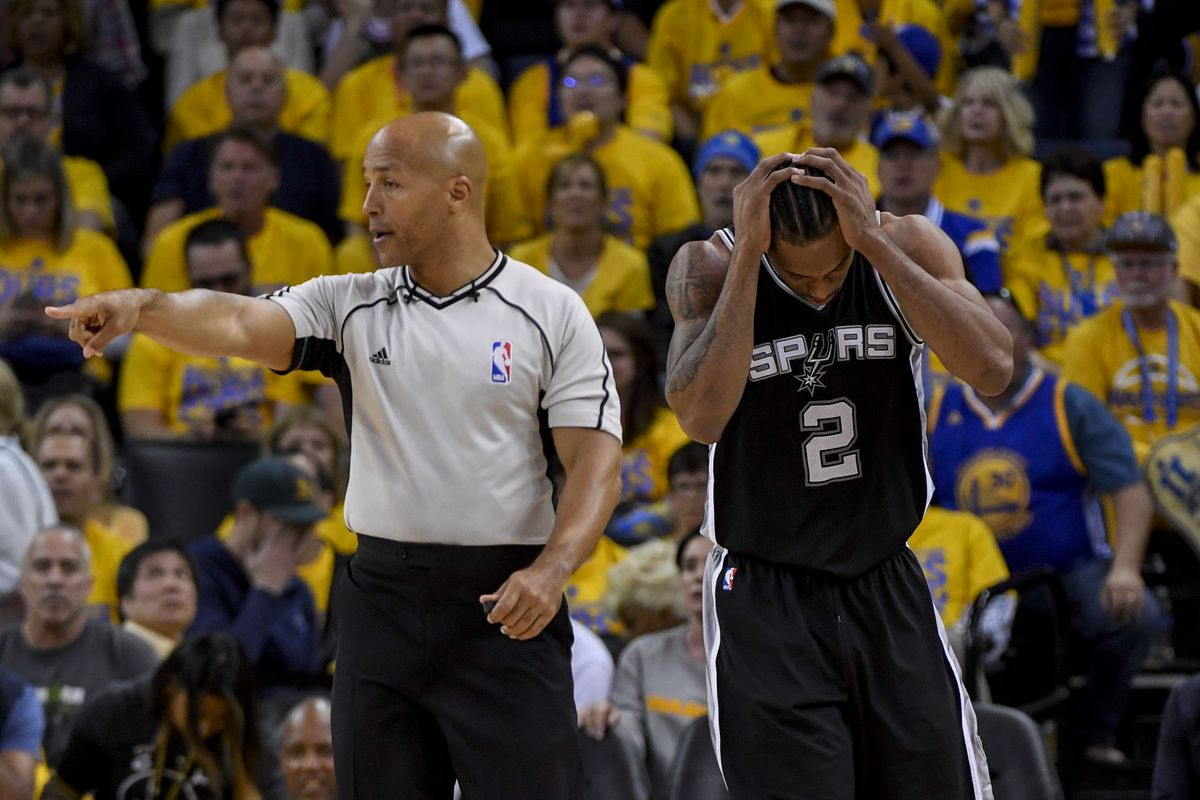 Leonard out in Game 2 vs. Warriors; Popovich calls Pachulia play inappropriate