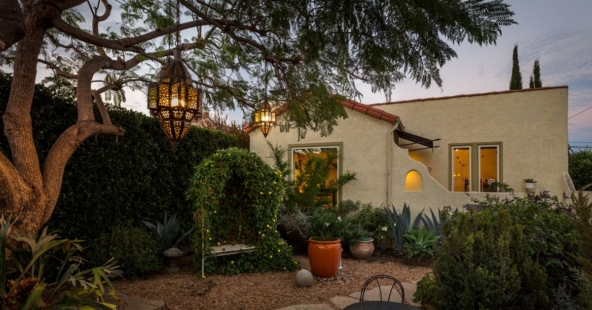 Spanish Style House Brings Fancy Bohemian Vibes To Del Rey