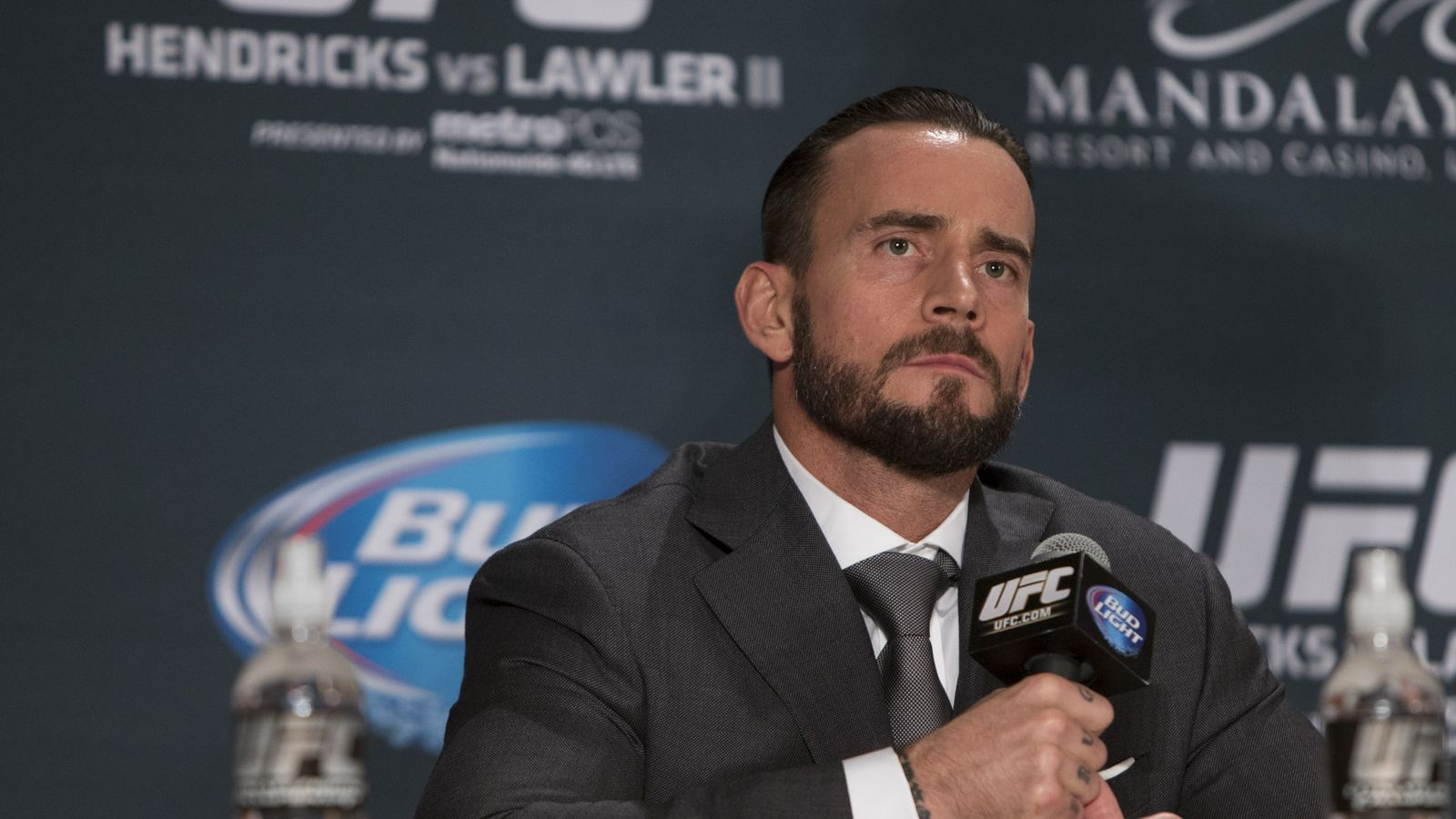 morning report washed up wrestler cm punk shames coward morning report washed up wrestler cm punk shames coward cathal pendred over money in twitter beef mma fighting