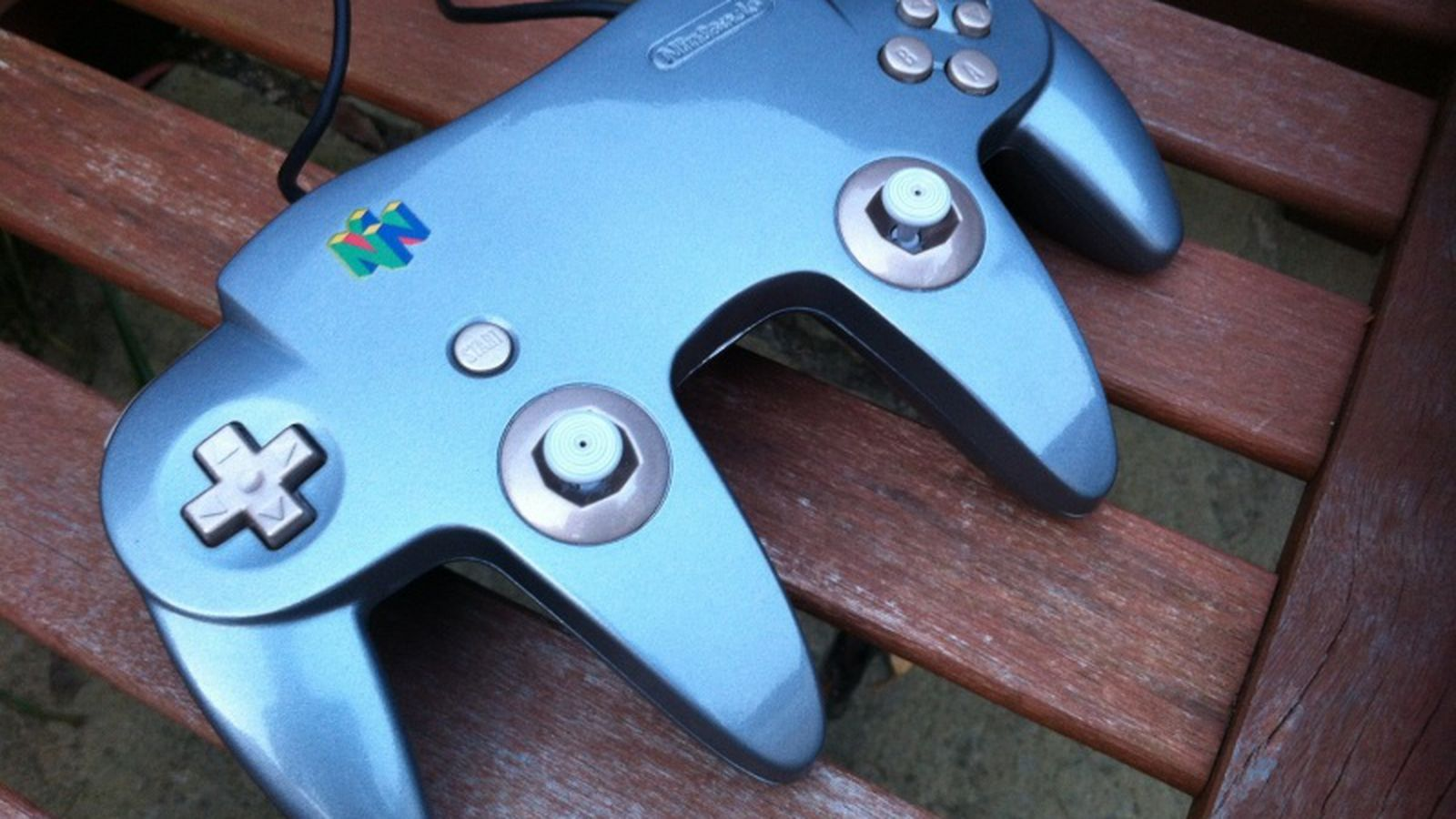 Two N64 Controllers Become One In Custom Star Wars