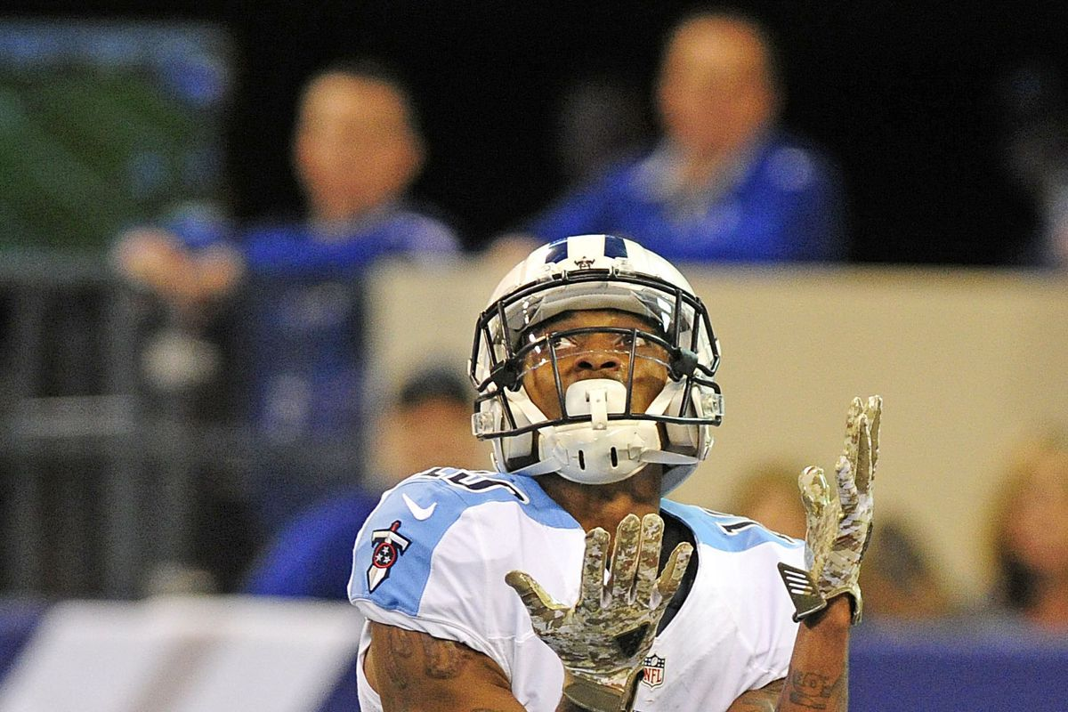 Titans WR, OL accused in assault outside bar