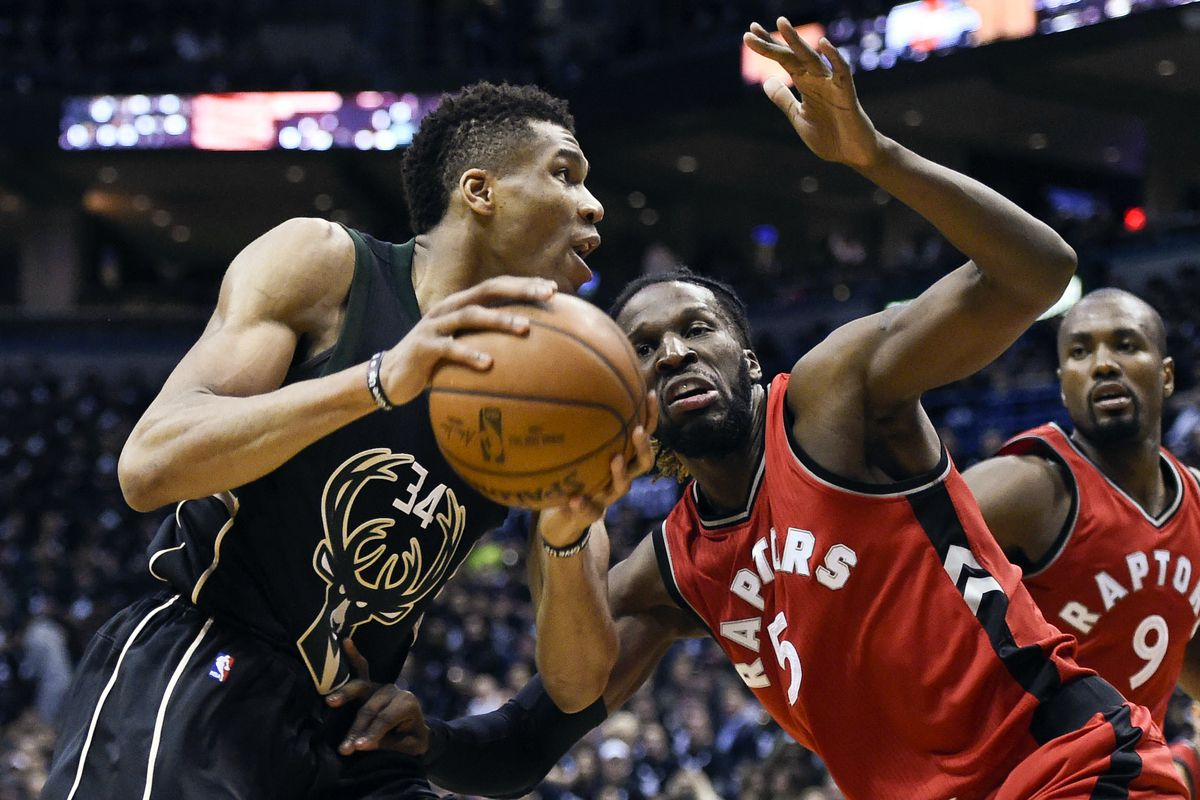 Toronto Raptors even series 2-2 against Milwaukee Bucks