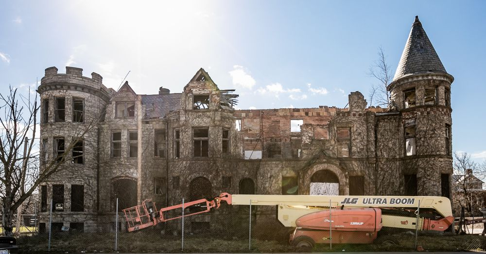 James Scott Mansion Sees Activity Long Awaited Renovation Starts Curbed Detroit