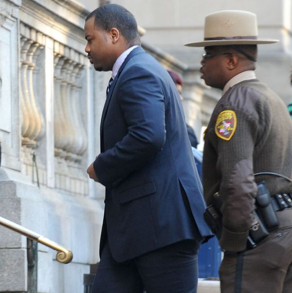 William Porter escorted to the courthouse.