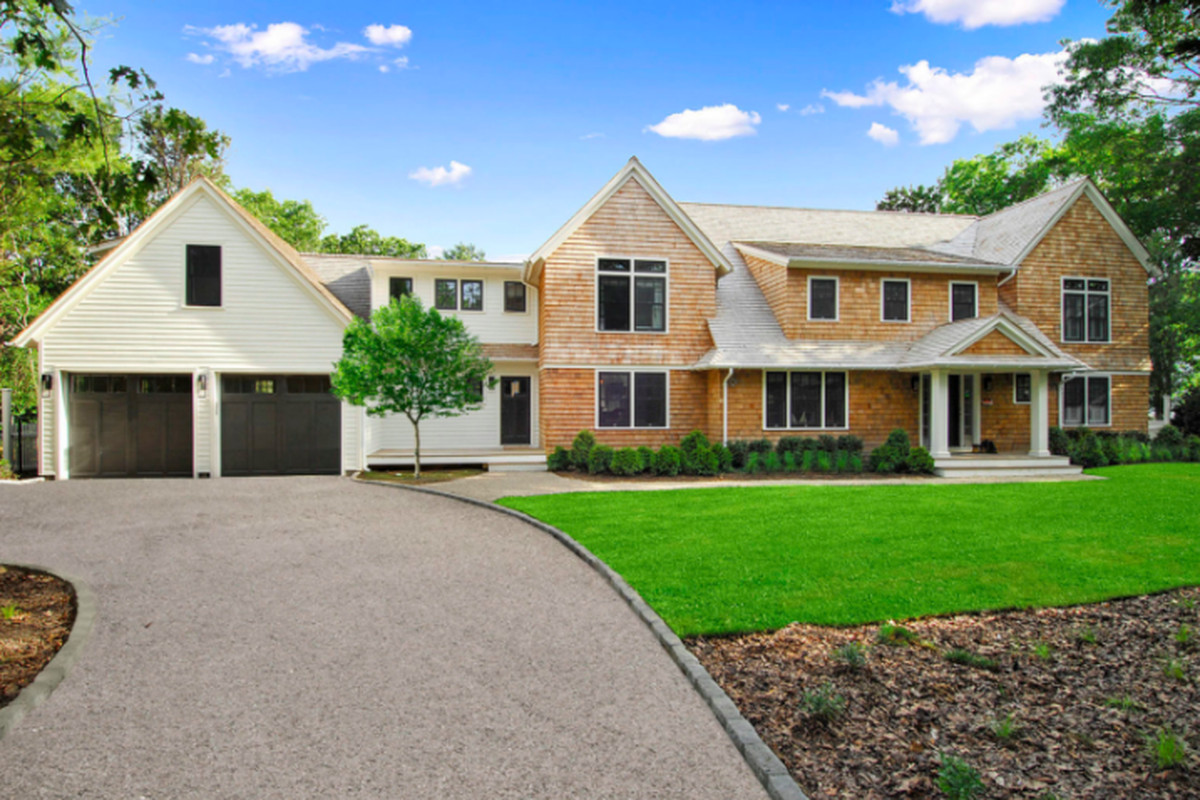 4 hamptons homes for sale with full gyms curbed hamptons for Hamptons home for sale