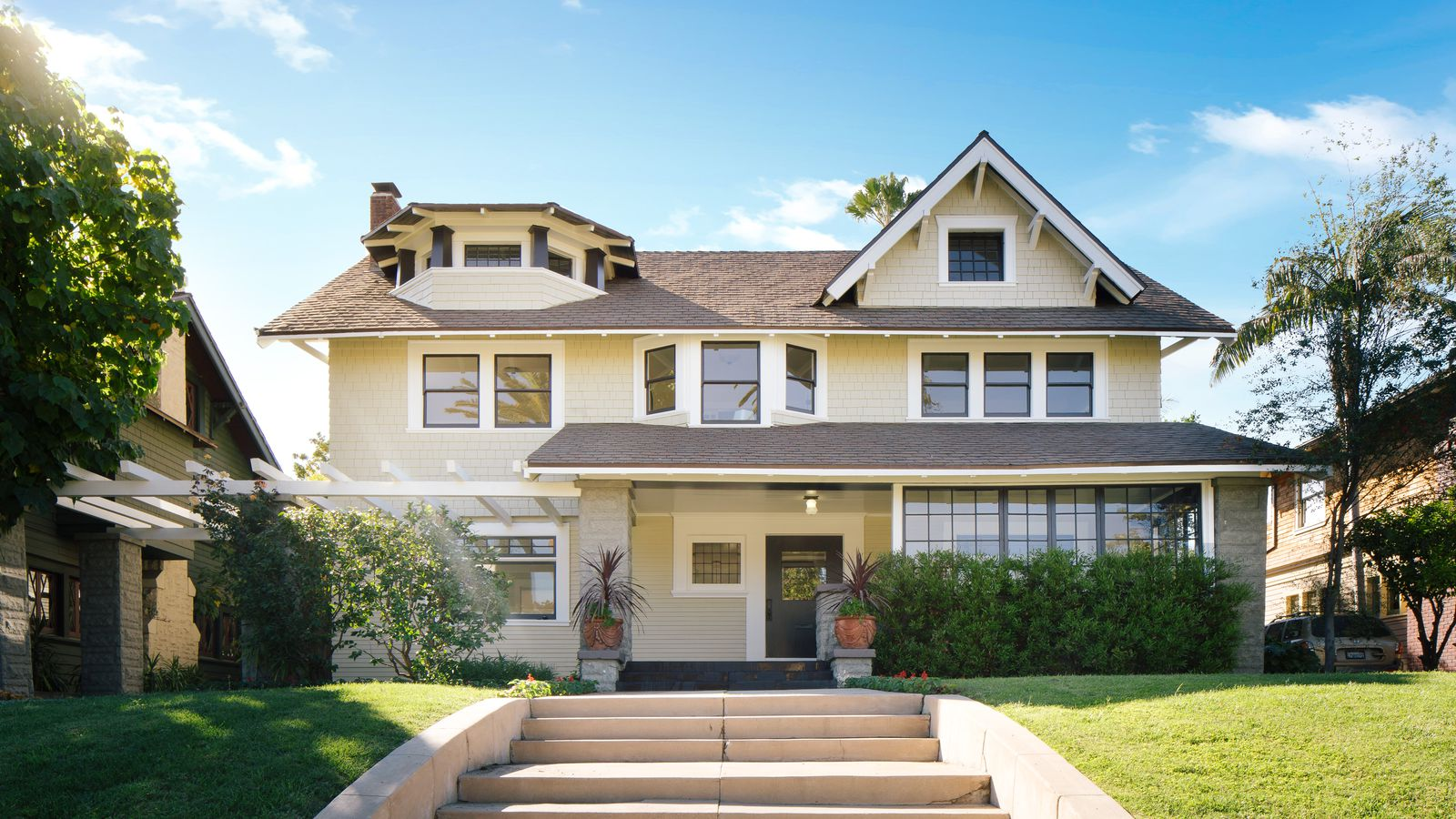 Elegant bungalow in one of la s historic districts asks 2 for Craftsman style bungalow for sale