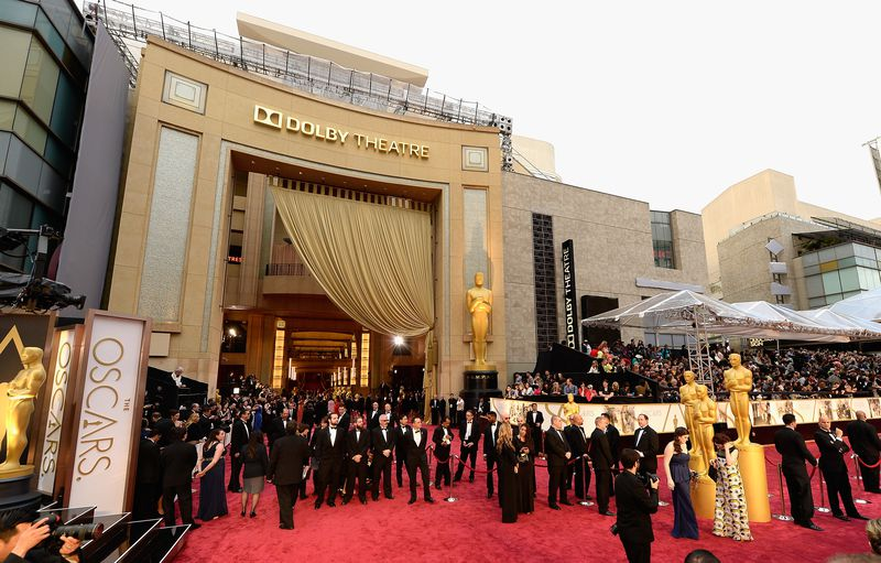 What Time Does The Oscar Red Carpet Start