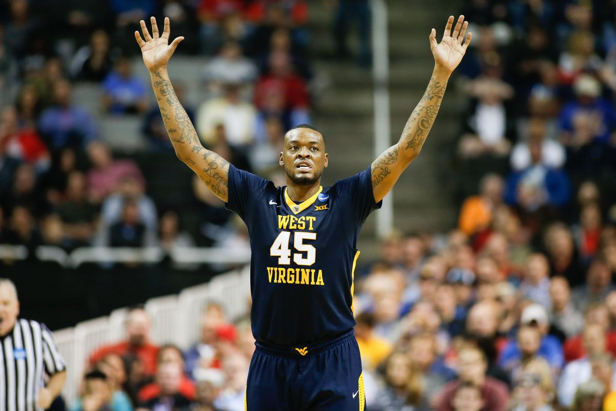 Elijah Macon leaving WVU basketball to turn pro