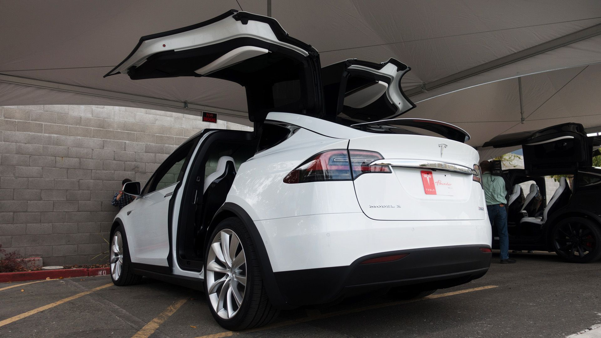 Tesla Releases A Cheaper Version Of The Model X Suv The Verge