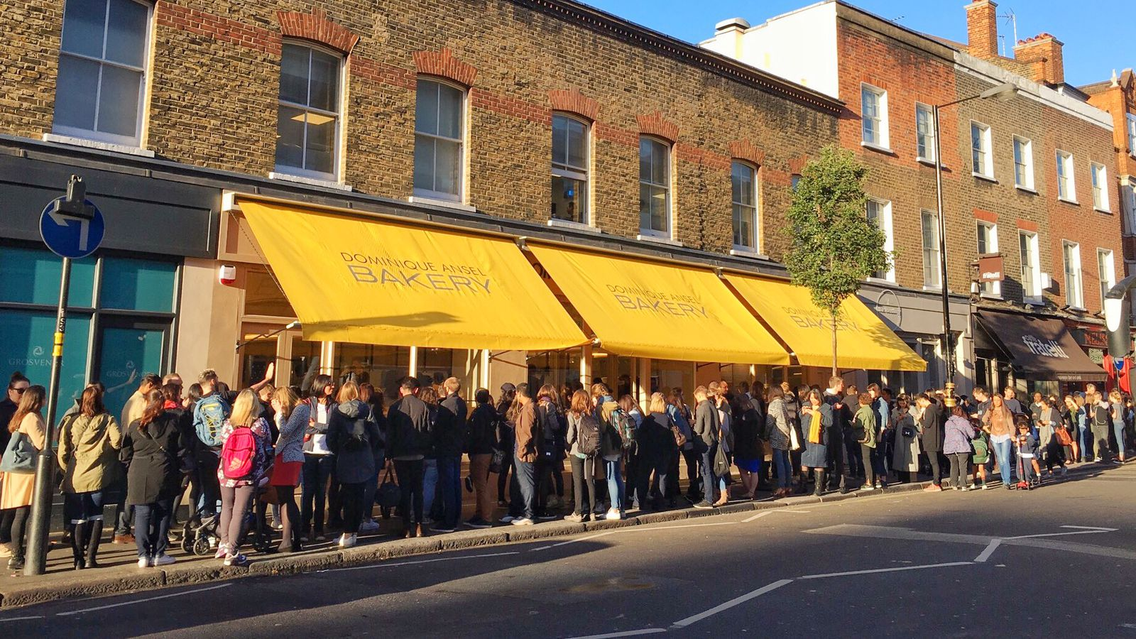 dominique ansel london opens to a line of 200 cronut