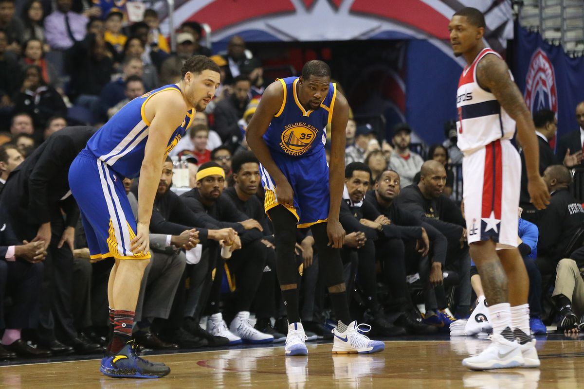 Warriors' Durant out indefinitely with knee injury