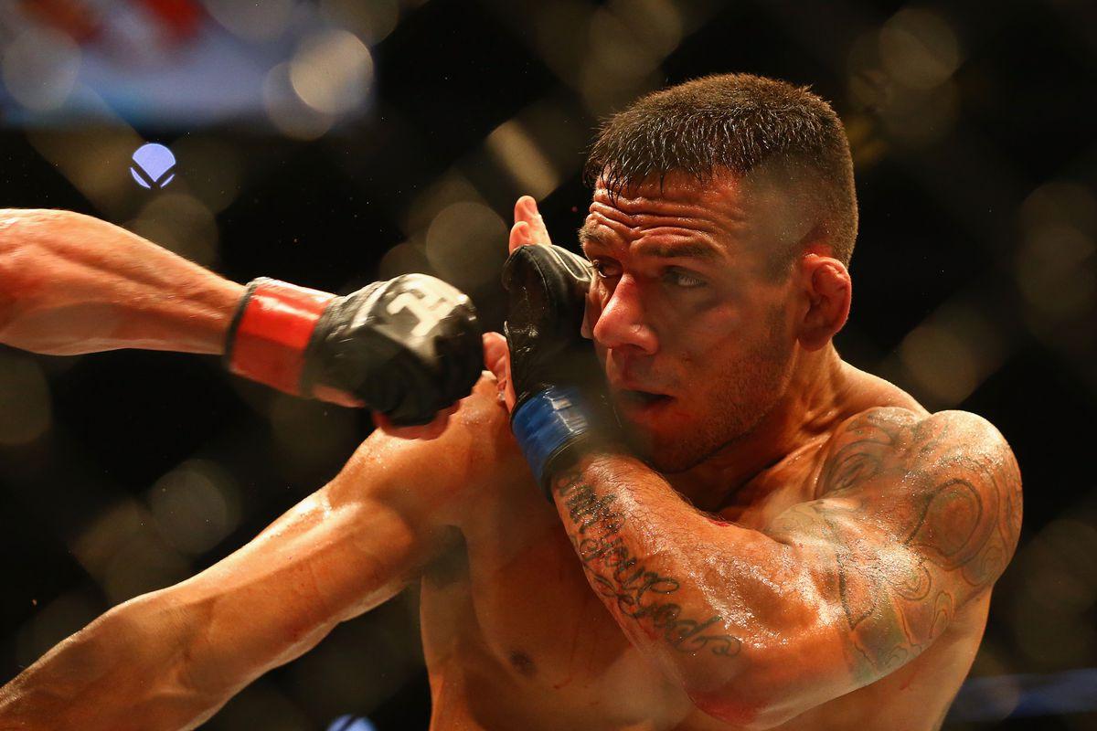 Rafael dos Anjos vs. Tarec Saffiedine set for UFC Singapore