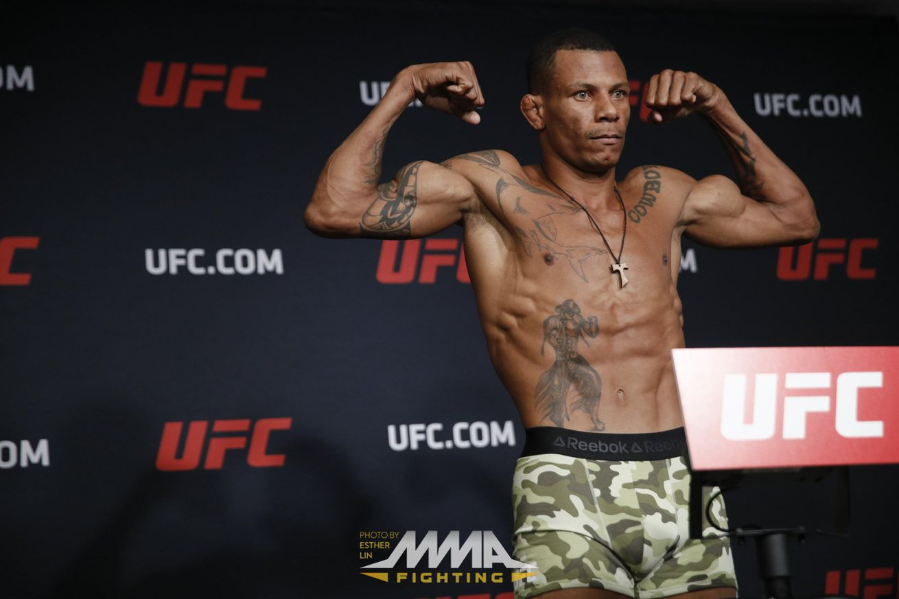 community news, UFC Fight Night 106 results: Alex Oliveira takes rematch with Tim Means