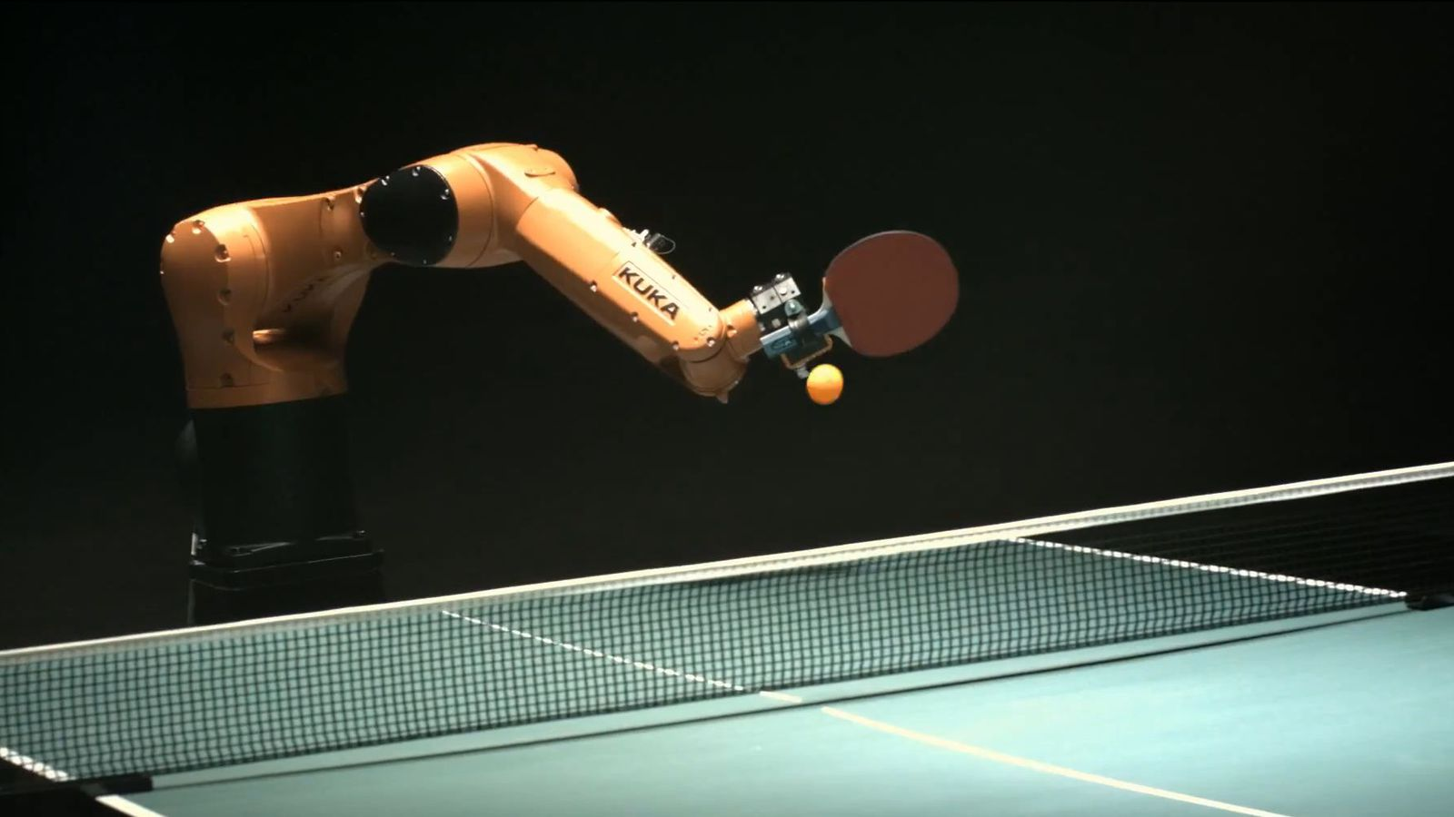 Everybody loses in ping pong match between robot and man the verge - Forum tennis tavolo toscano ...