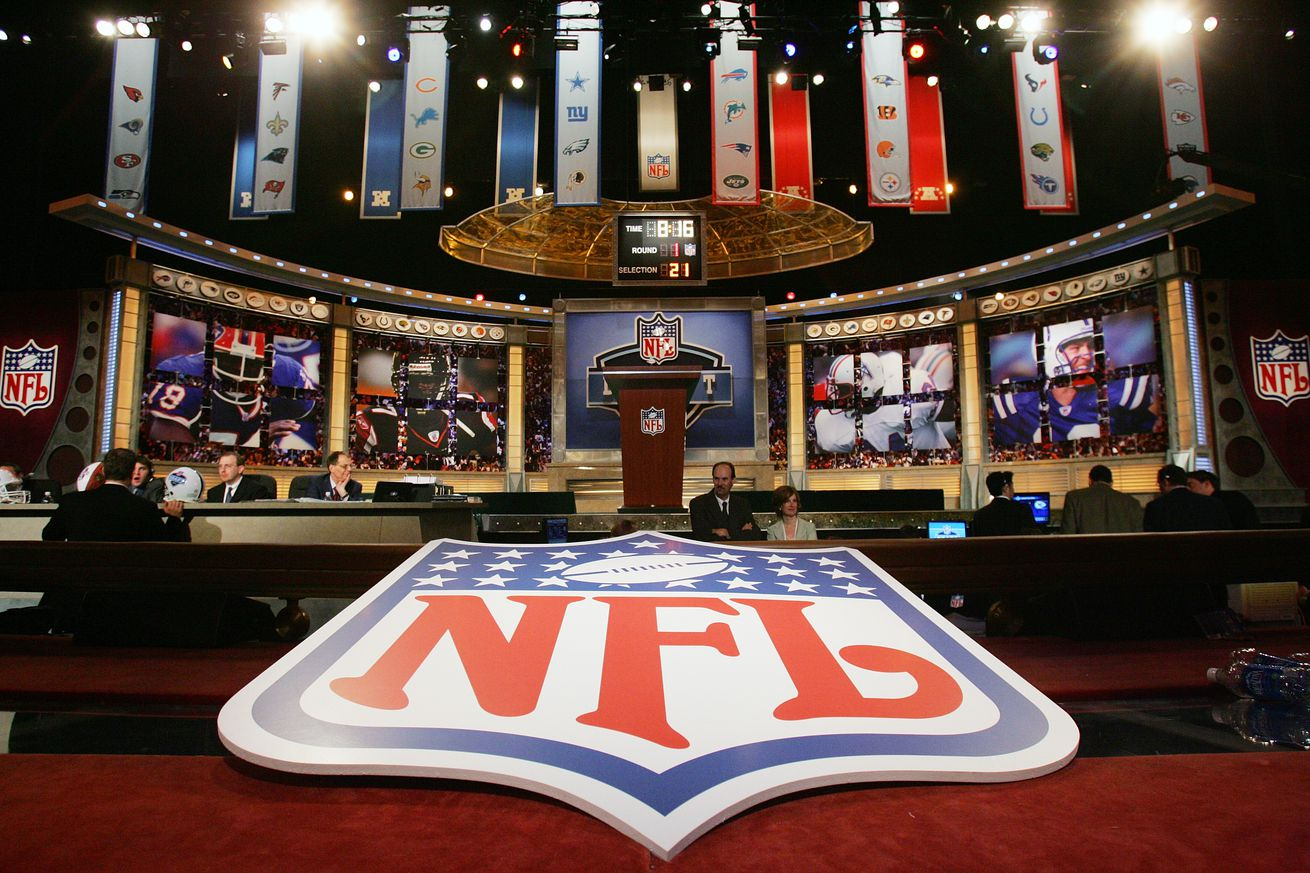 2016 Nfl Draft Rams Rumored To Be Interested In Trading