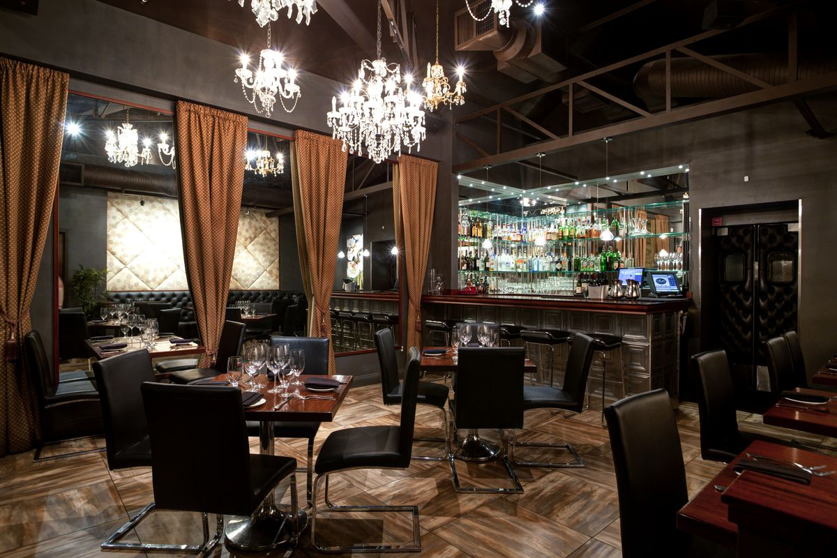 Magnificent The Wellington Steak Martini Lounge Shutters For New Concept Largest Home Design Picture Inspirations Pitcheantrous