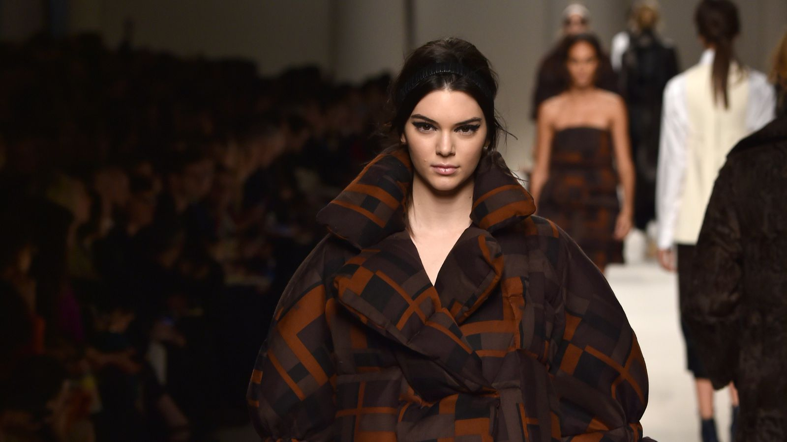 Fashion Fans Displeased By Kendall Jenner S First Fendi