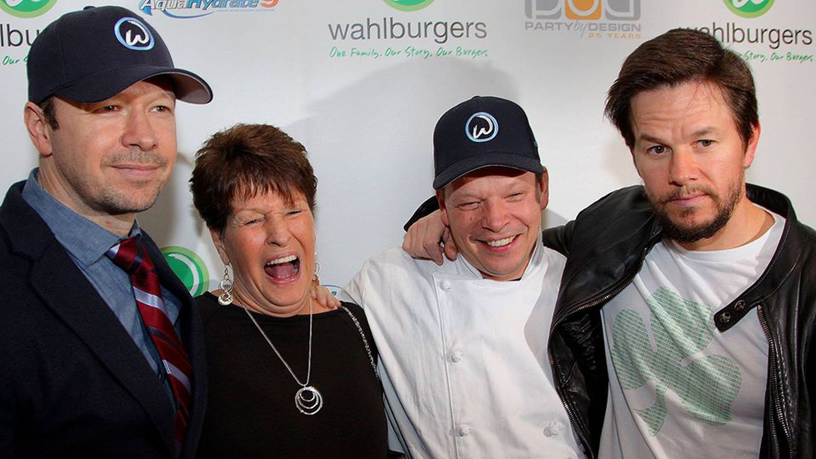 Wahlburgers' First Flo...