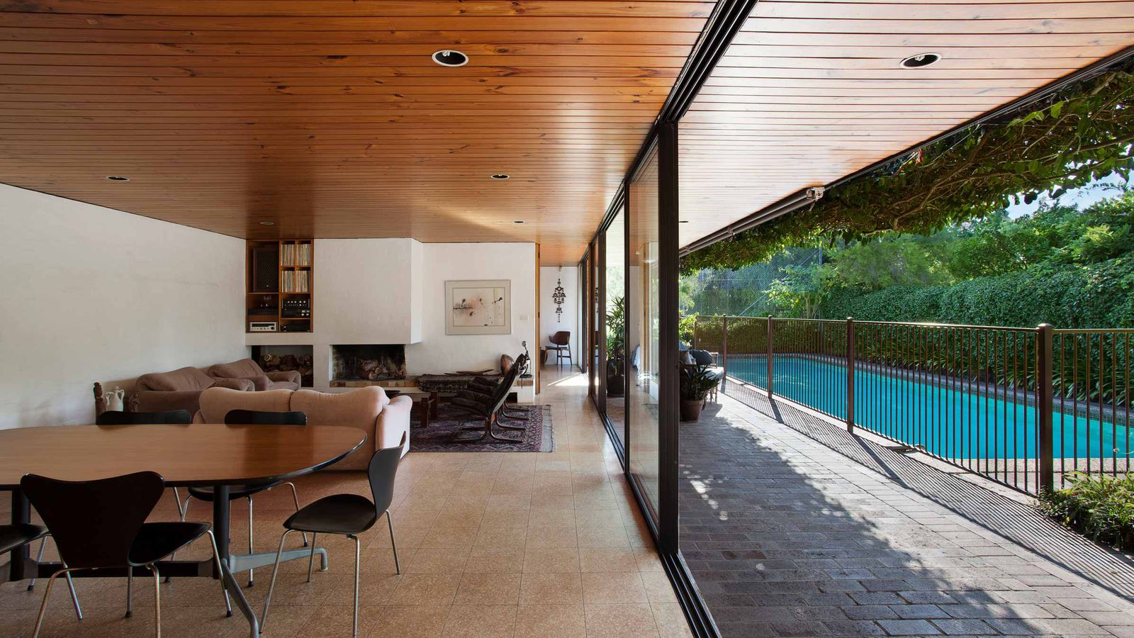 39 70s gem by sydney opera house architect on market for the for Modern 70s house