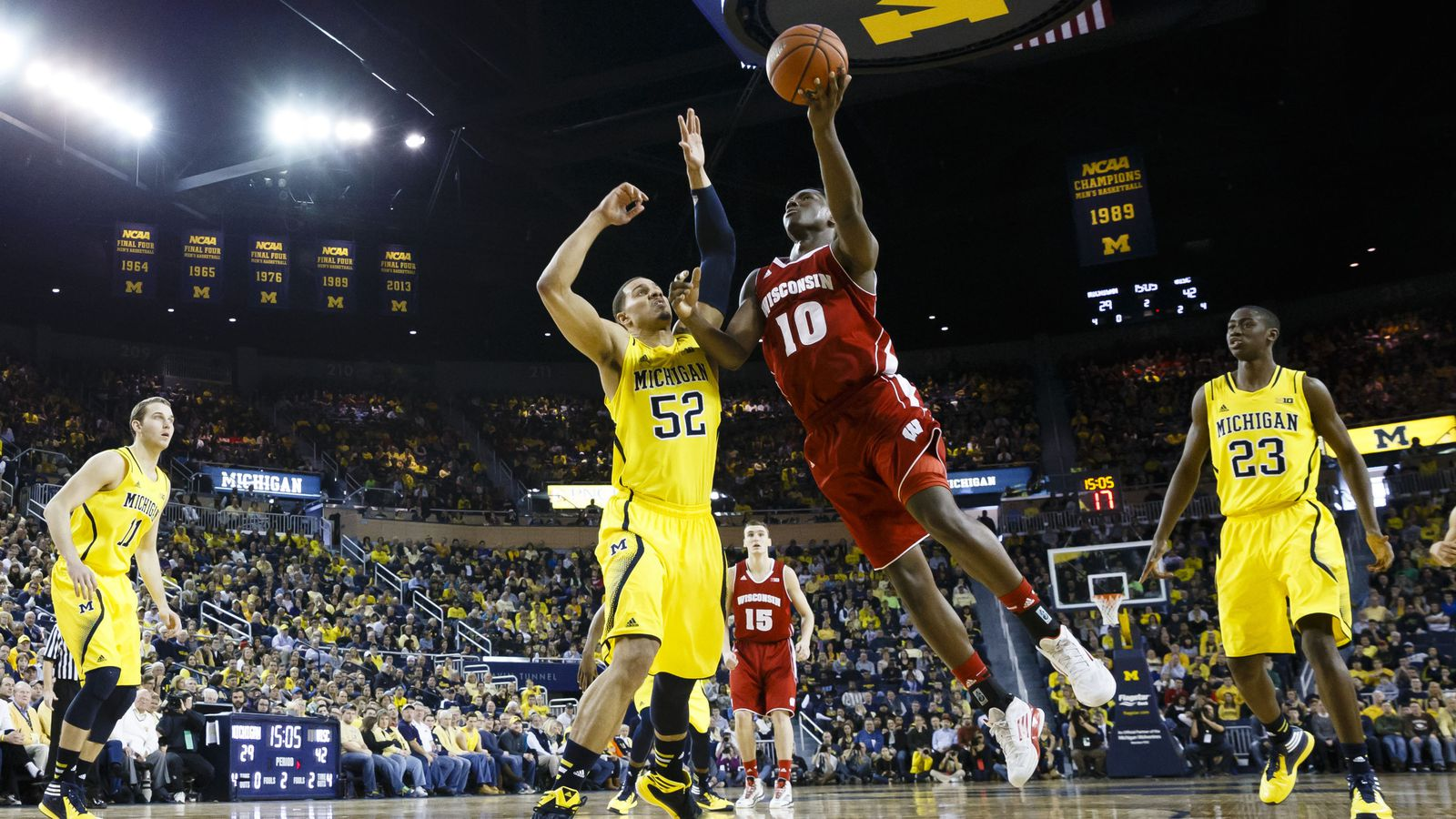 College basketball rankings: Wisconsin continues climb in AP Top 25, Coaches Polls - Bucky's 5th ...