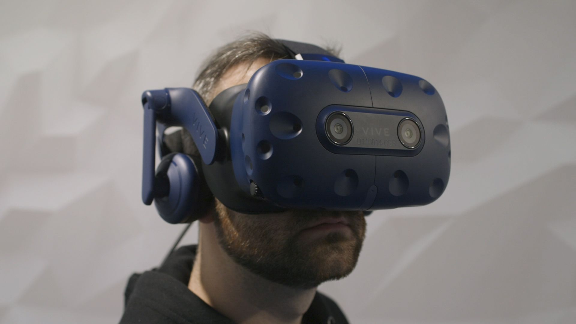 7bb2c430a4f HTC announces new Vive Pro Eye virtual reality headset with native eye  tracking - The Verge