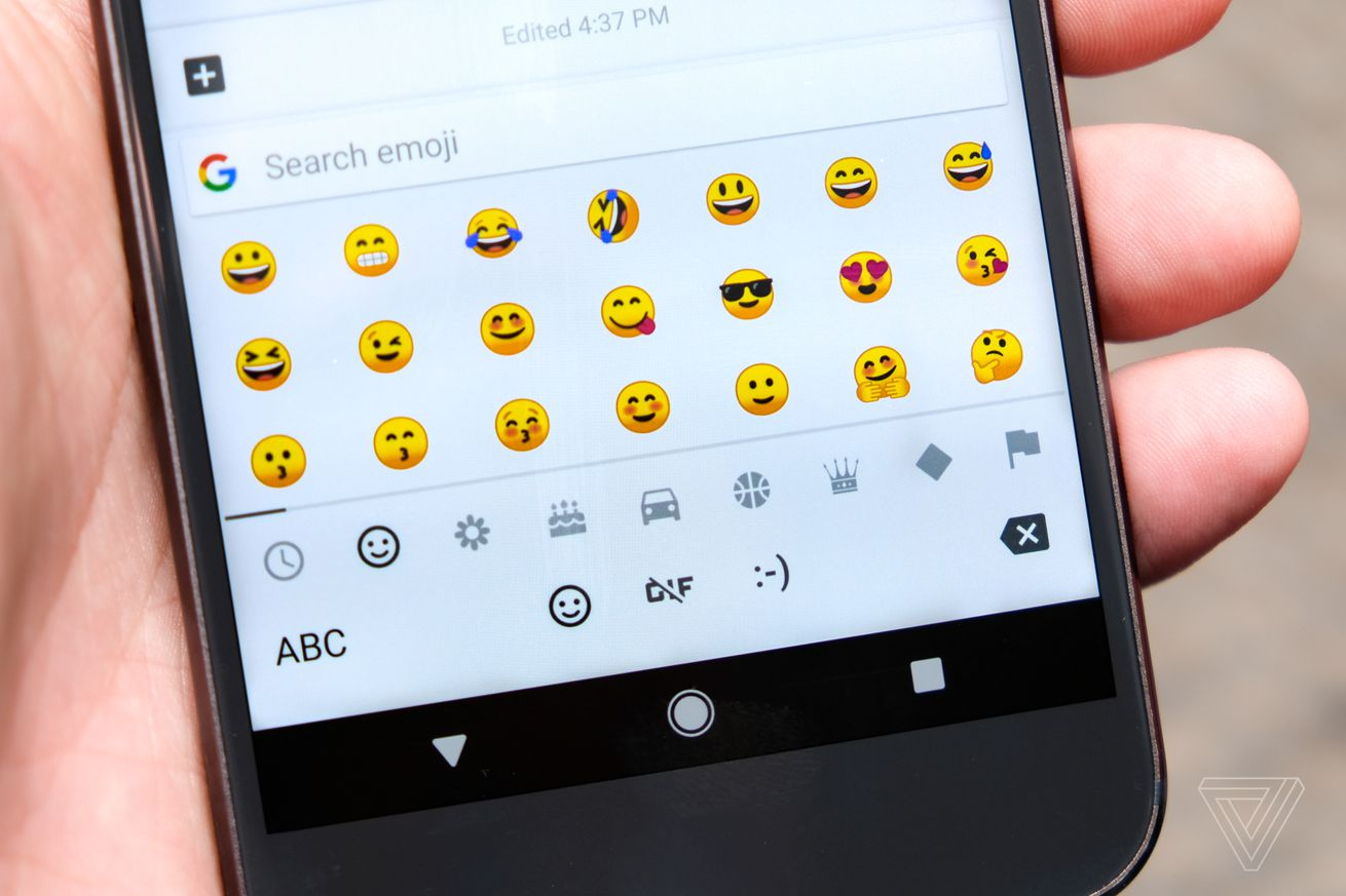 Google is finally replacing its bad emoji blobs in Android O