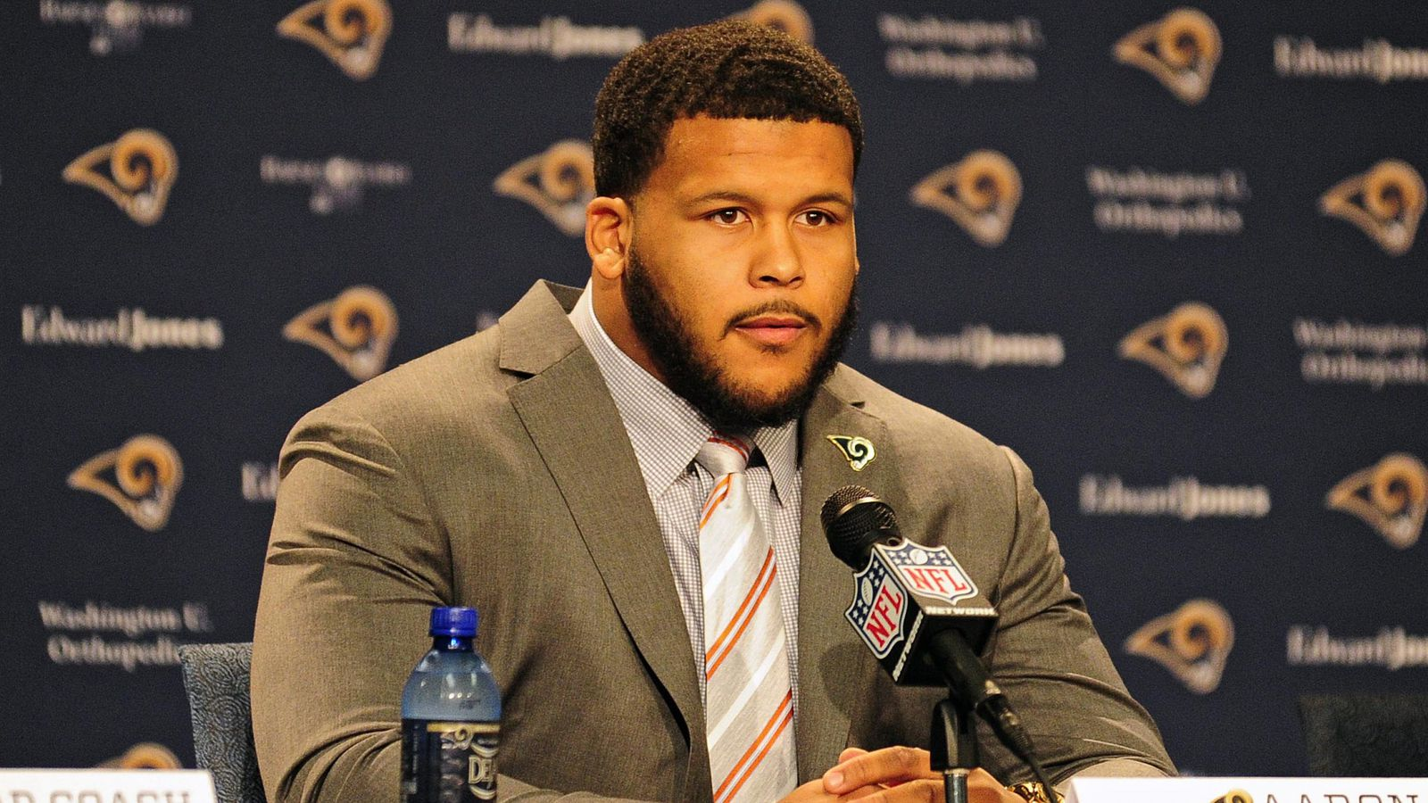 How Does Aaron Donald Fit With The Rams Turf Show Times