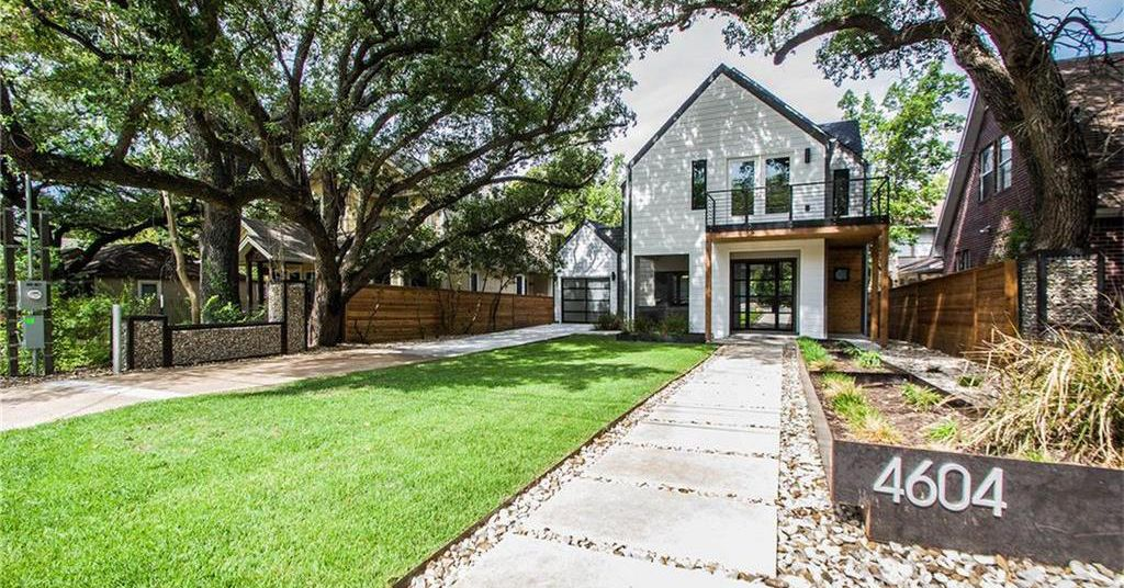 Hyde park contemporary smart house seeks curbed for Contemporary homes for sale in austin