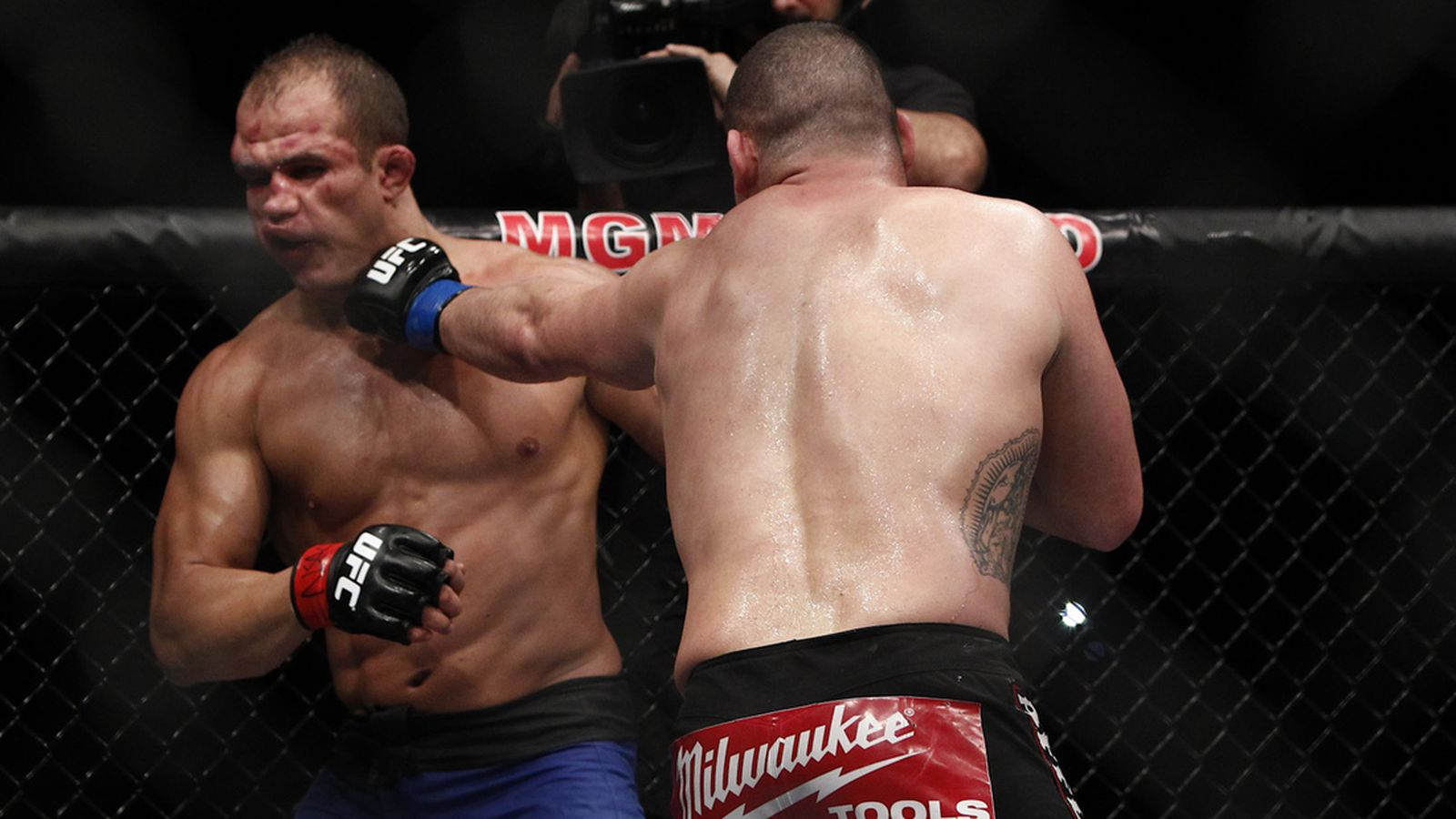 Cain Velasquez vs. Junior dos Santos full fight videos ...