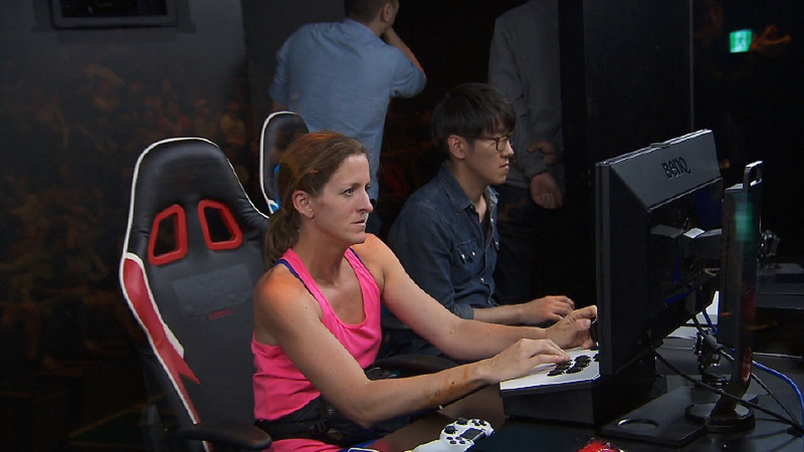 The Amazing Race pits contestants against pro Street Fighter 5 players