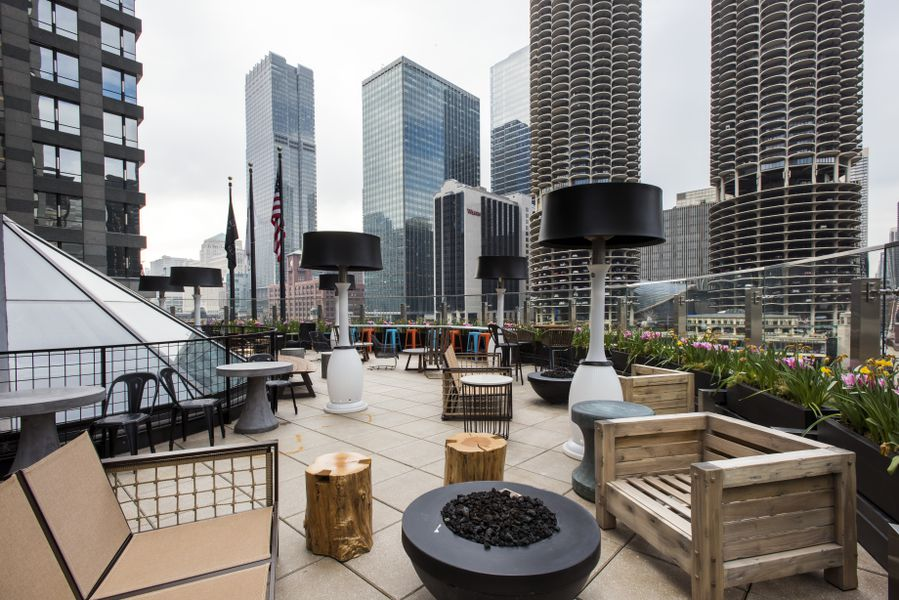 Raised rooftop lounge features gorgeous chicago river for 41 river terrace ny ny