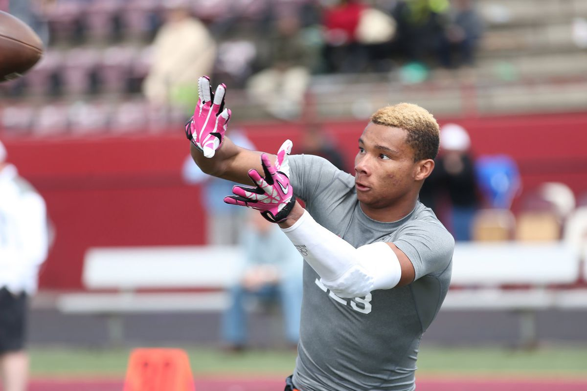 still has one star yet to commit but it s time to look at demetris robertson student sports