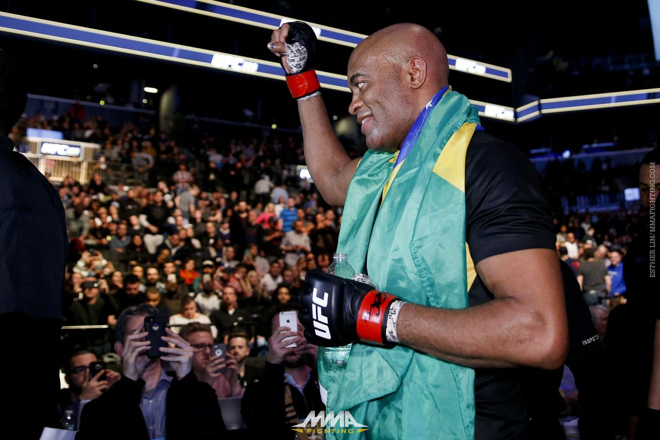 Anderson Silva rips 'almighty' Dana White, says 'I can't accept this bulls*it'