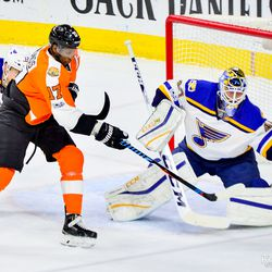 Simmonds with a shot attempt, emphasis on attempt since no shots went in last night for the Flyers