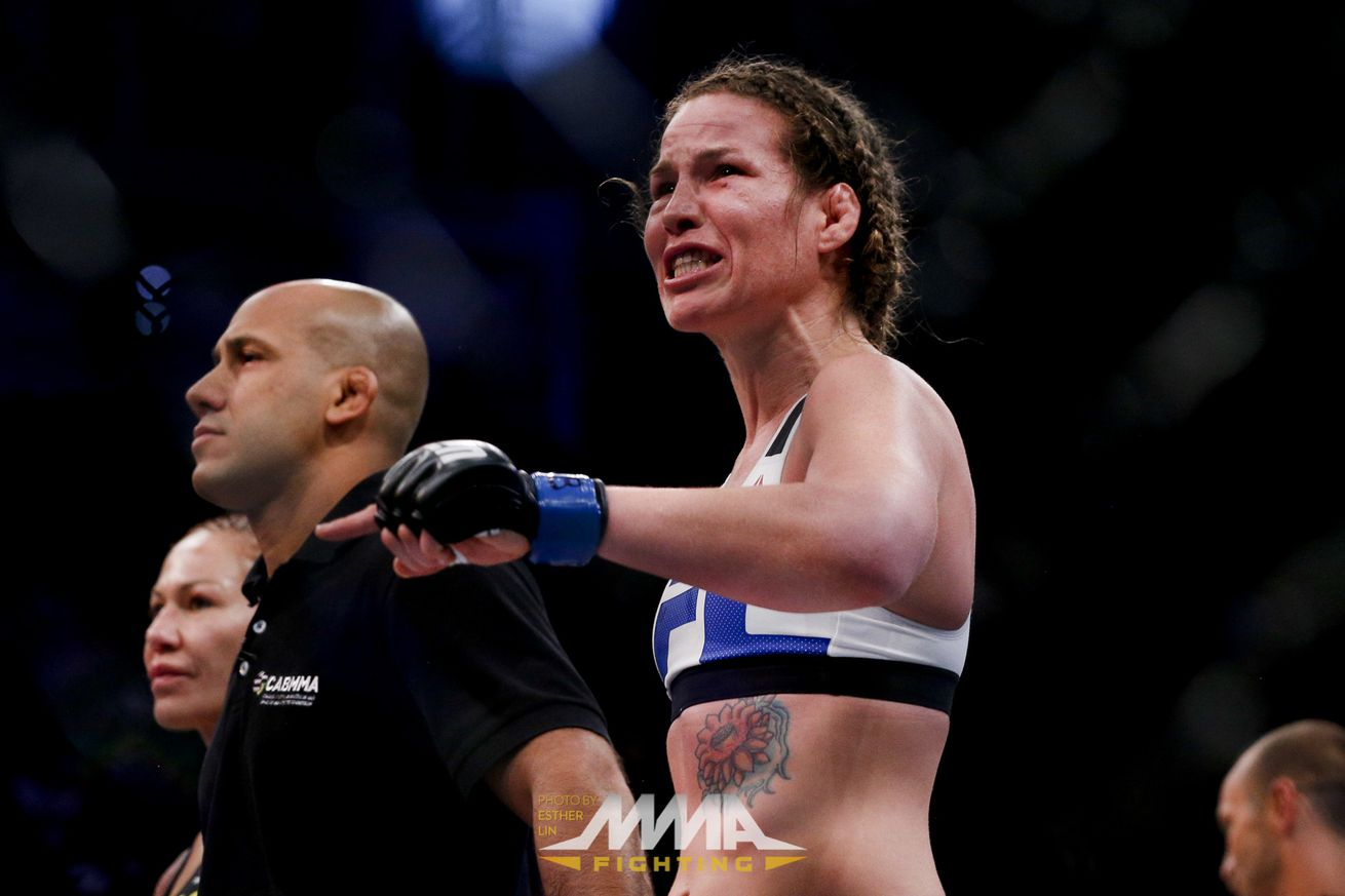 Leslie Smith pissed as hell about total bull stoppage against Cris Cyborg