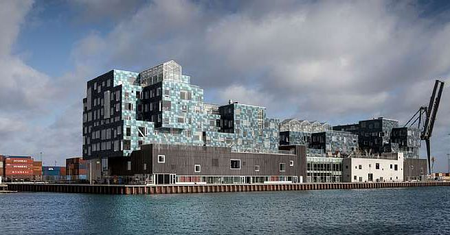 Sustainable Danish School Is Covered In 12 000 Solar