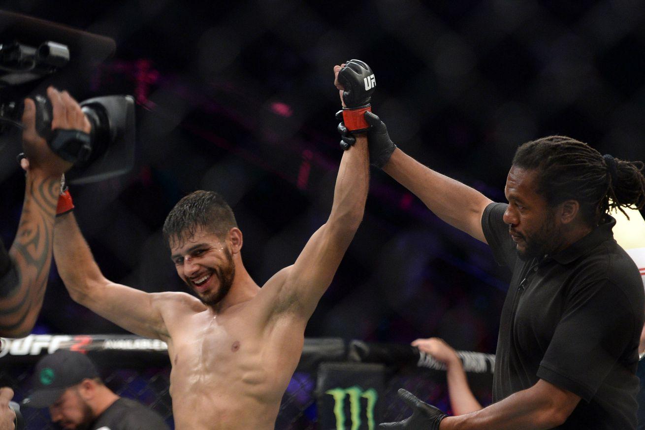 community news, Highlights! Watch Yair Rodriguez demolish BJ Penn at UFC Fight Night 103 in Phoenix