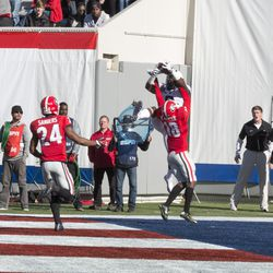 John Diarse hauls in his second TD catch of the day.