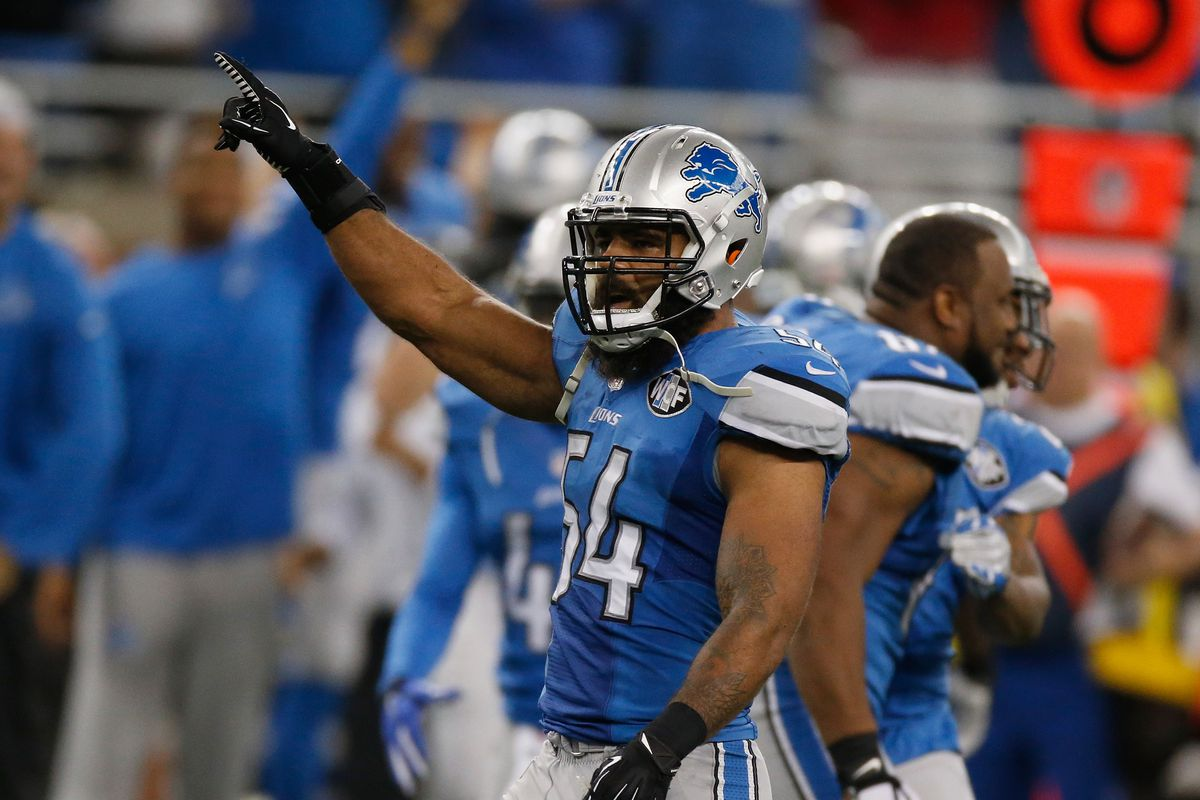 Detroit Lions tender offer to Cornelius Lucas