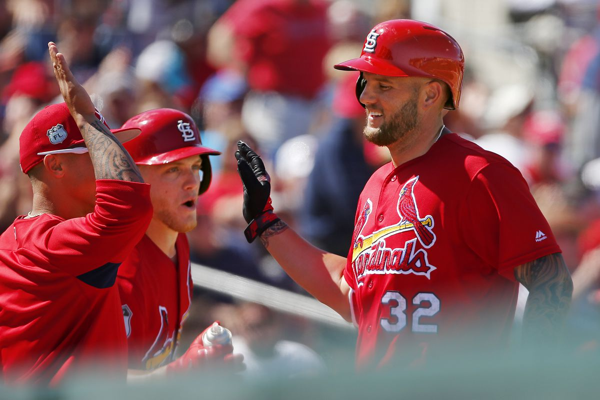 Braves acquire first baseman Matt Adams from Cardinals