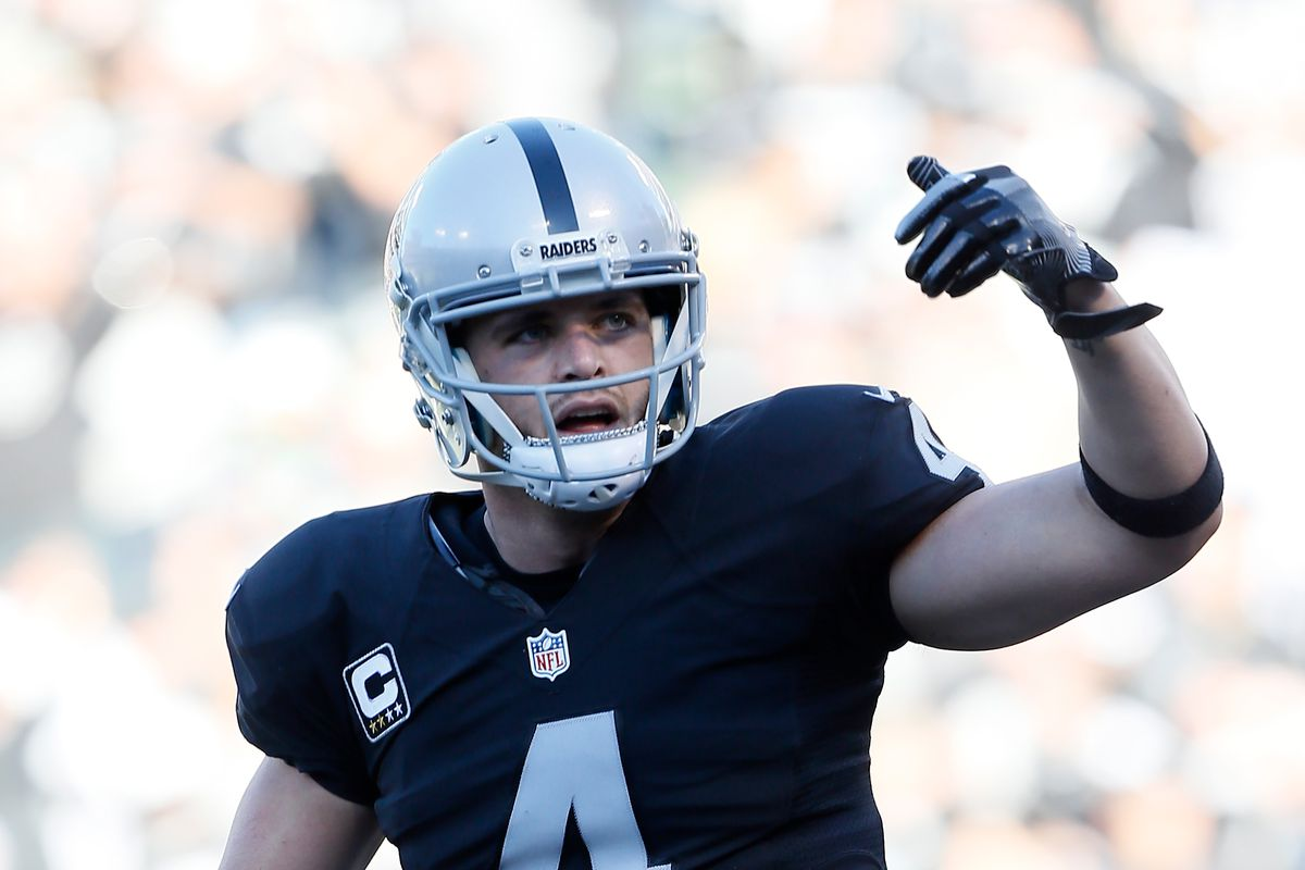 Stranded motorist talks about his chance meeting with Raiders quarterback Derek Carr