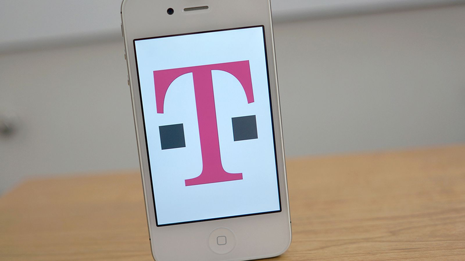 iphone 5 tmobile price t mobile quietly bumps up front price of an iphone 5 by 14601
