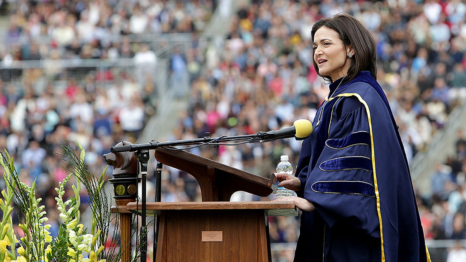 Sheryl Sandberg just gave an incredible, emotional speech to college grads | The Verge
