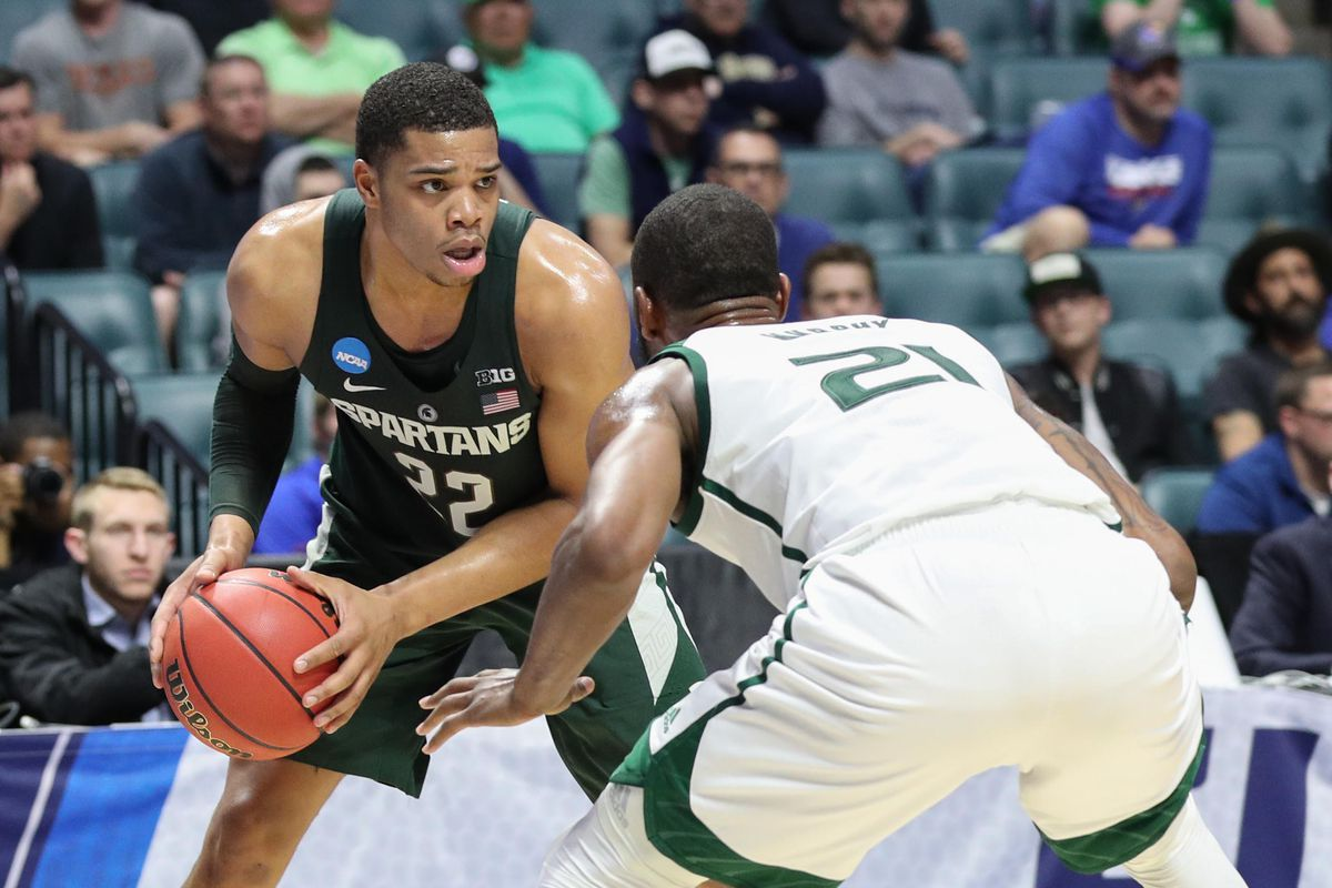 Jackson's strong second half lifts Kansas past Spartans